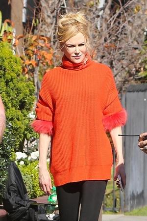 Этой зимой вам нужен свитер с мехом как у Николь Кидман (фото 0.1)