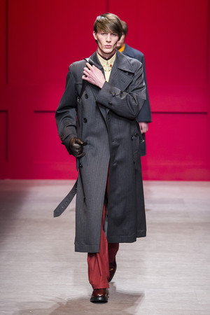 Показ Salvatore Ferragamo коллекции сезона осень-зима  2018-2019 года Prêt-à-porter - www.elle.ru - Подиум - фото 700171