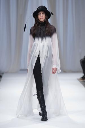 Показы мод Ann Demeulemeester Осень-зима 2013-2014   Подиум на ELLE - Подиум - фото 648