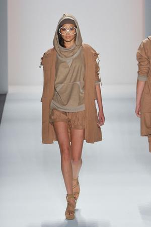 Показы мод Nicholas K Весна-лето 2013 | Подиум на ELLE - Подиум - фото 1335