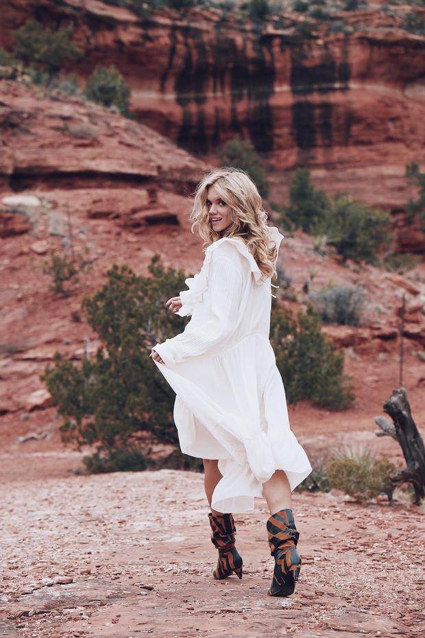 Дневник Валерии Дергилевой: как прошел иммерсивный показ H&M Studio в красных каньонах Аризоны (фото 4)