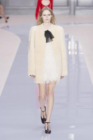 Показы мод Chloé Осень-зима 2017-2018 | Подиум на ELLE - Подиум - фото 4899