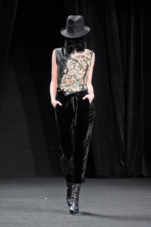Показы мод A.F. Vandevorst Осень-зима 2012-2013 | Подиум на ELLE - Подиум - фото 1445