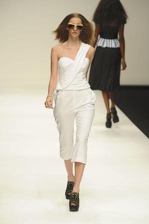 Показы мод PPQ Весна-лето 2011 | Подиум на ELLE - Подиум - фото 2614