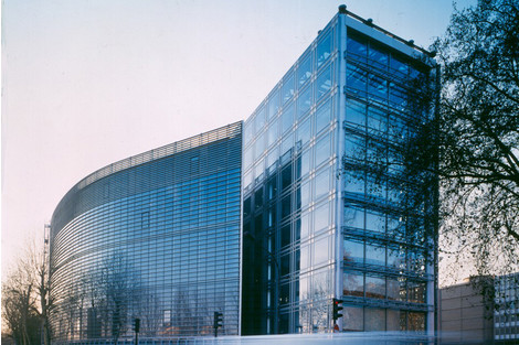 Проснулся знаменитым: первые проектызвезд архитектуры   галерея [2] фото [2]