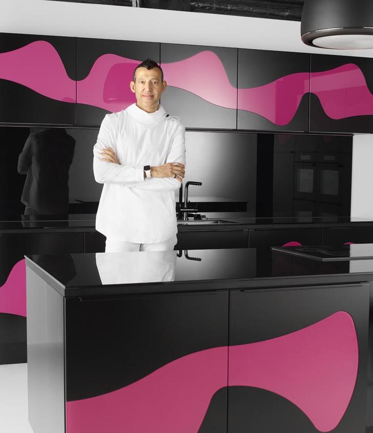 """Фабрика """"Мария"""" представила коллекцию кухонь от Карима Рашида"""