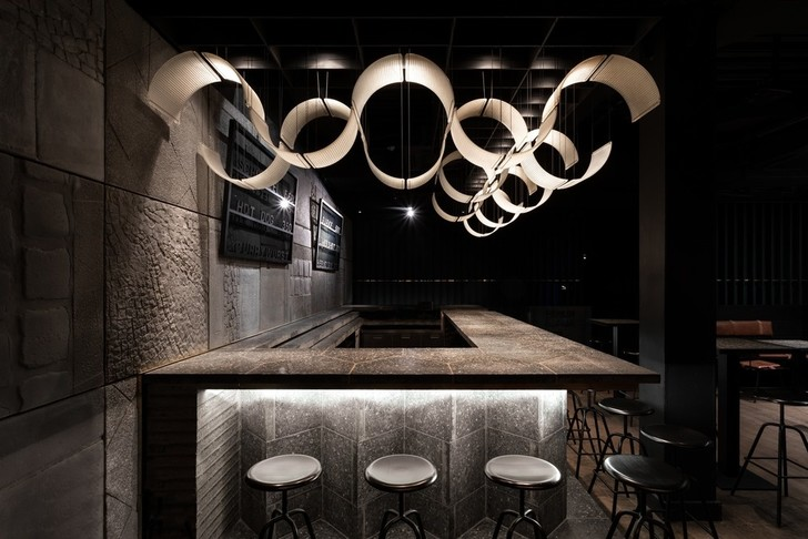 Брутальный Berlin Bar в Москве (фото 10)