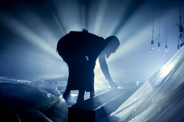 В архитектурном музее им. Щусева пройдет серия спектаклей «Между двумя» по Тибетской книге мертвых