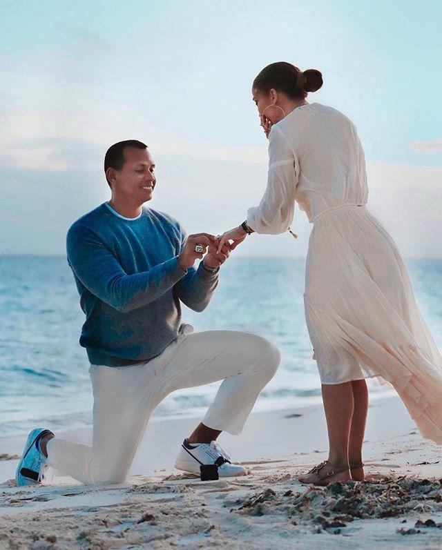 Дженнифер Лопес поделилась трогательными фото с помолвки (фото 3)