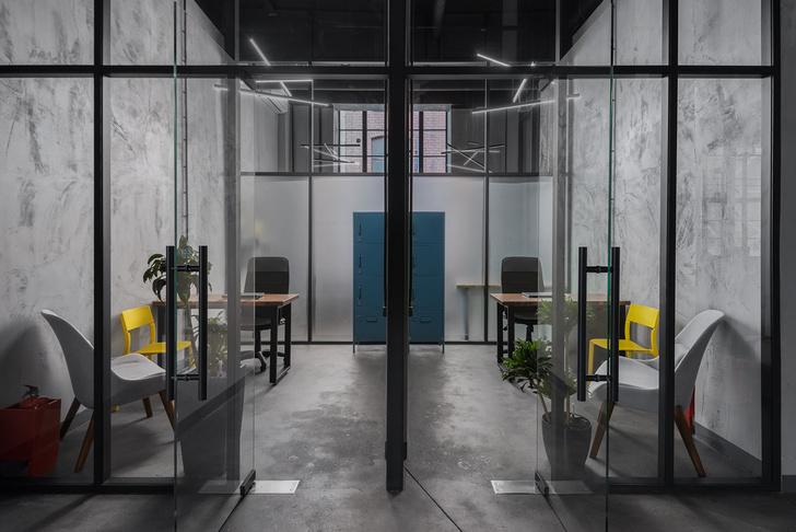 Современный офис PR-агентства на Трехгорке (фото 12)