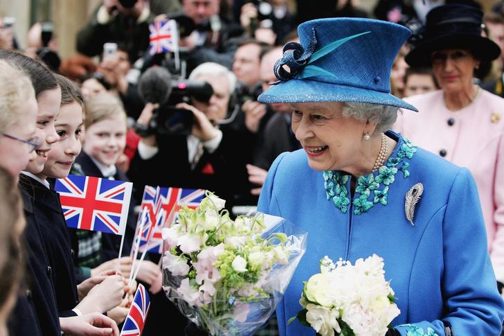 Елизавета II отмечает свой второй день рождения (фото 3)