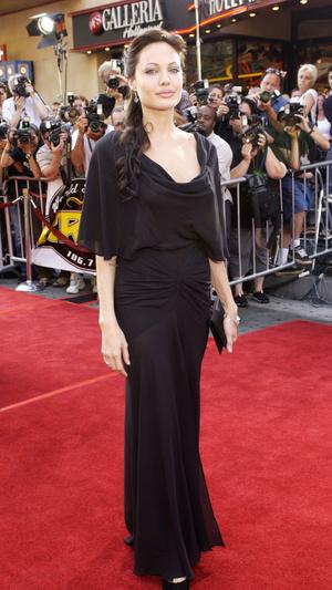 Режиссер «Лары Крофт» рассказал о трудностях работы с Анджелиной Джоли (фото 1.1)