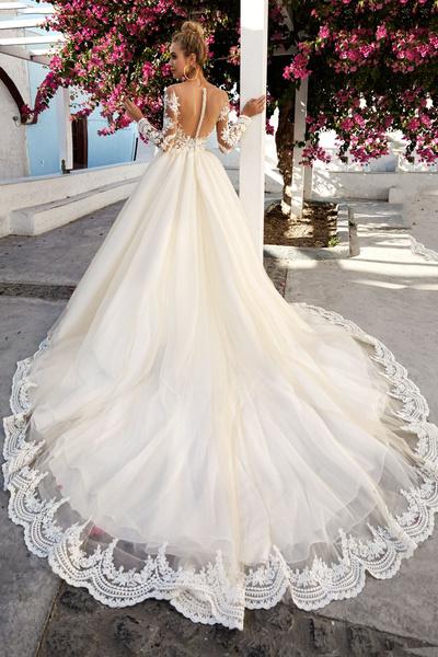 Пышные свадебные платья со шлейфом