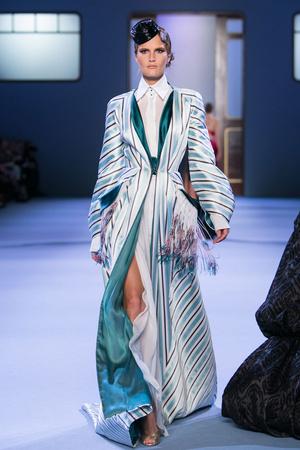 Показы мод Ulyana Sergeenko Весна-лето 2014 | Подиум на ELLE - Подиум - фото 3770