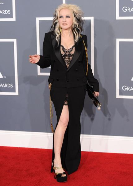 Синди Лопер в платье Jean Paul Gaultier
