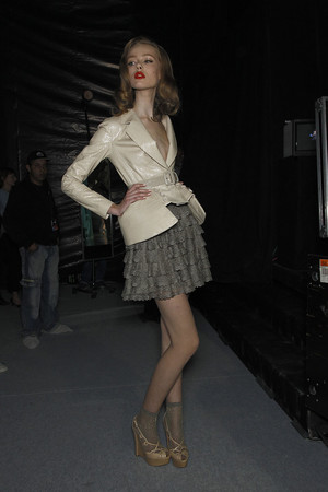 Показ Christian Dior коллекции сезона Весна-лето 2010 года prêt-à-porter - www.elle.ru - Подиум - фото 119505