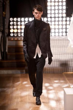 Показ Atelier Gustavo Lins коллекции сезона Весна-лето 2013 года Haute couture - www.elle.ru - Подиум - фото 479483