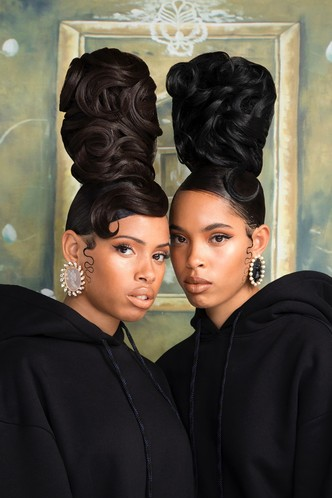 Рианна посвятила коллекцию украшений Fenty темнокожим женщинам (фото 3.1)
