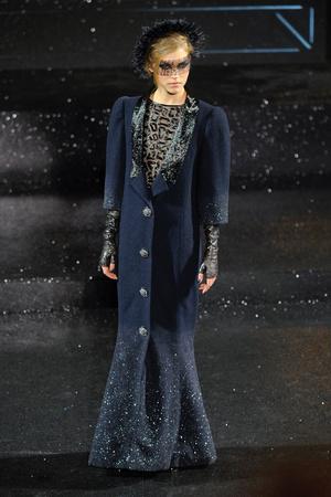 Показ  коллекции сезона Осень-зима 2011-2012 года Haute couture - www.elle.ru - Подиум - фото 278050