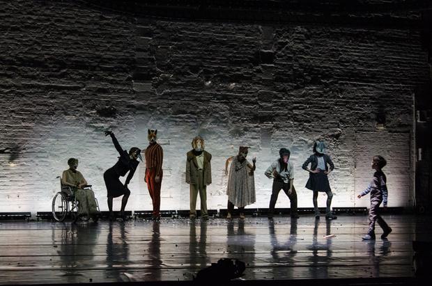 Спектакль «Басня. Теория идеального наблюдателя» в Театре на Таганке (фото 1)