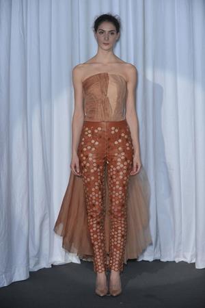 Показ Maison Martin Margiela коллекции сезона Весна-лето 2010 года haute couture - www.elle.ru - Подиум - фото 139142