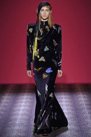 Показ Schiaparelli коллекции сезона Осень-зима 2014-2015 года Haute couture - www.elle.ru - Подиум - фото 584728