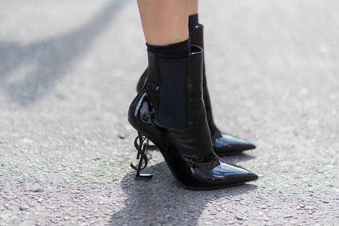 На подъеме: каблуки неожиданных форм и контрастных оттенков (фото 10)