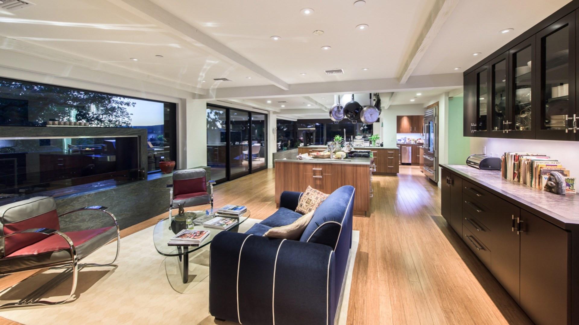 Джейн Фонда продает свой особняк в Беверли-Хиллз | галерея [1] фото [3]