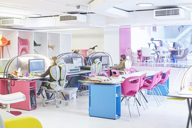 Офисная мебель по дизайну Карима Рашида (фото 5)