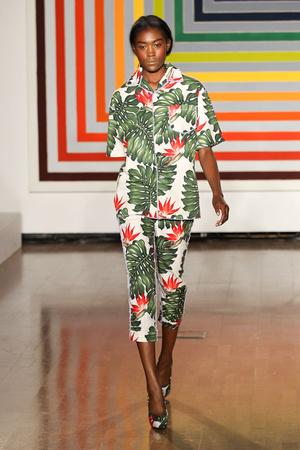 Показ Fashion East коллекции сезона Весна-лето 2012 года Prêt-à-porter - www.elle.ru - Подиум - фото 299421