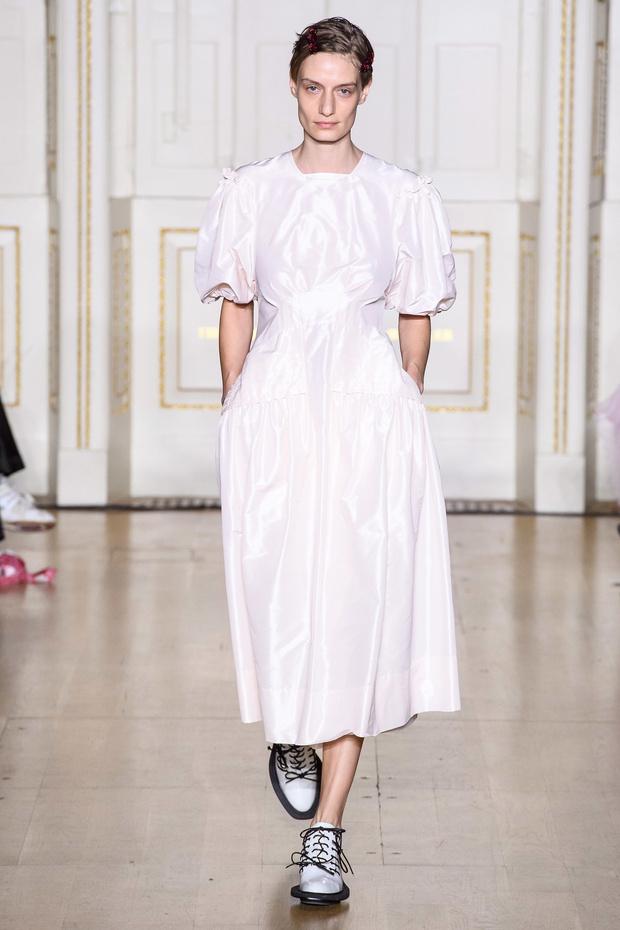 Хлоя Севиньи стала моделью на показе Simon Rocha в Лондоне (фото 5)