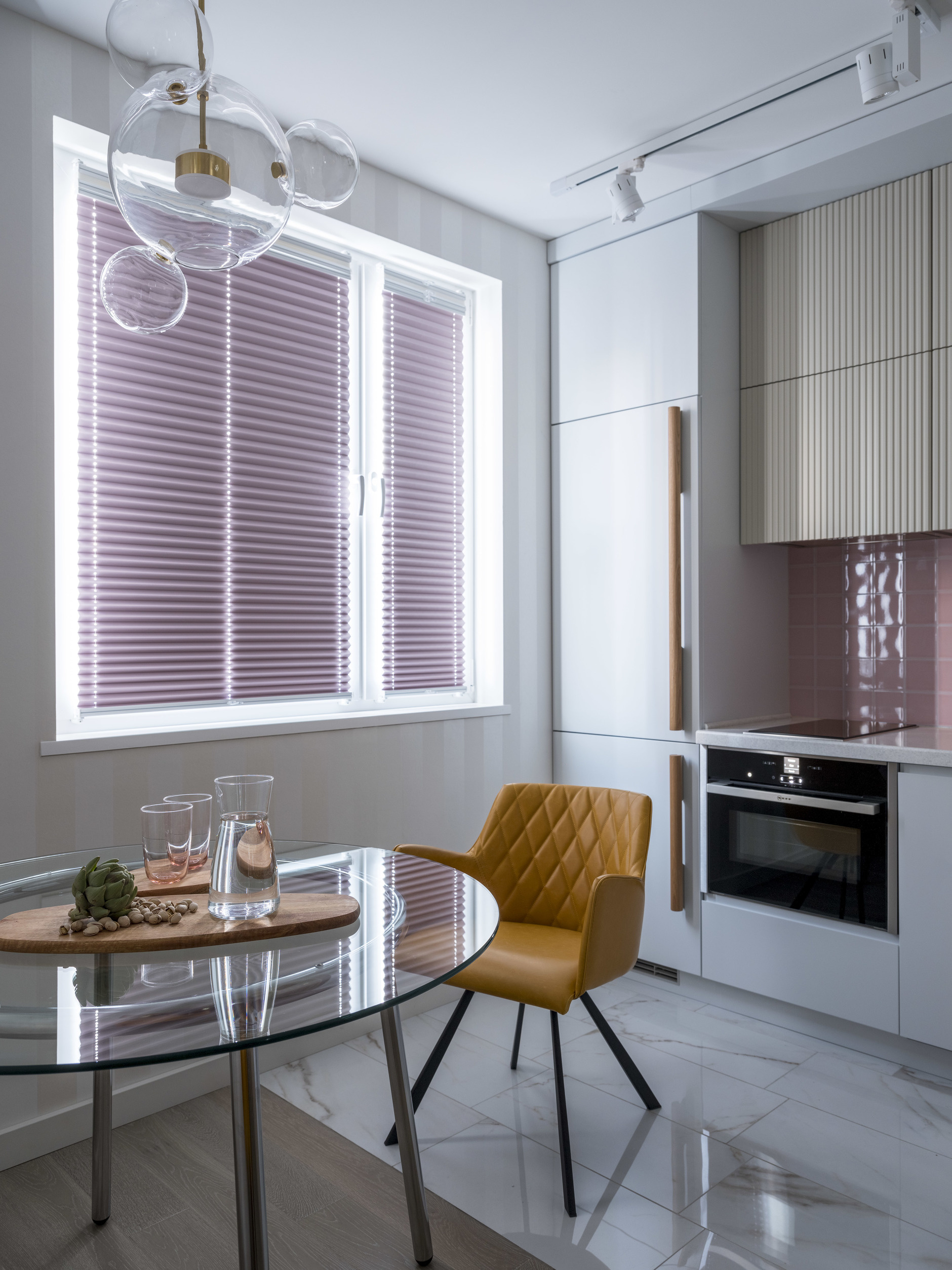 35+ проектов кухонь в маленьких квартирах (галерея 0, фото 5)