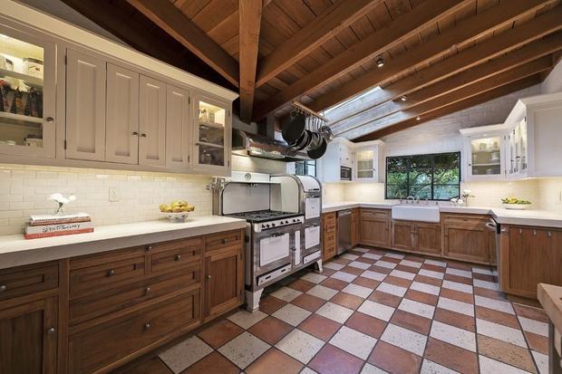 Бывший дом Кэтрин Хэпберн в Голливуде выставлен на продажу (фото 9)