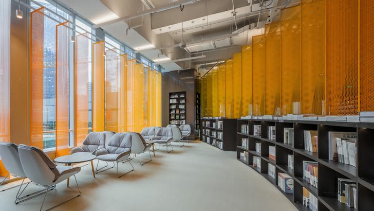 Радужный книжный магазин в Китае (фото 3)