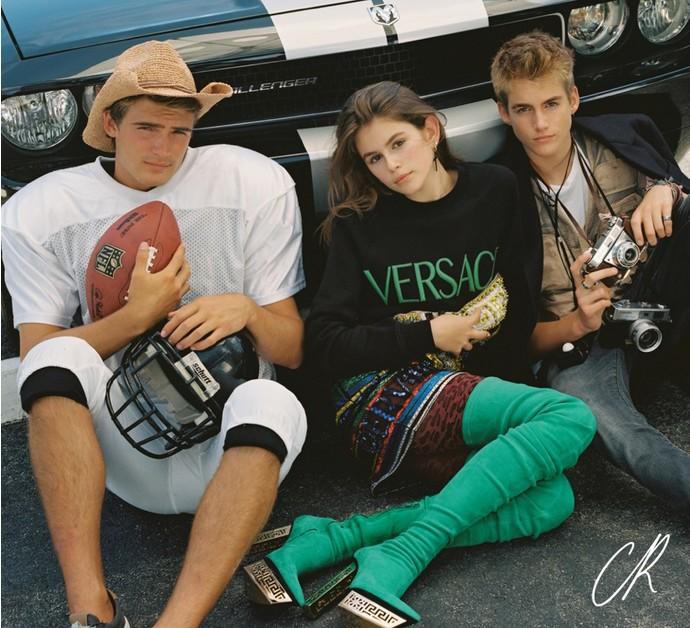 Кайя и Пресли Гербер в рекламной кампании Versace
