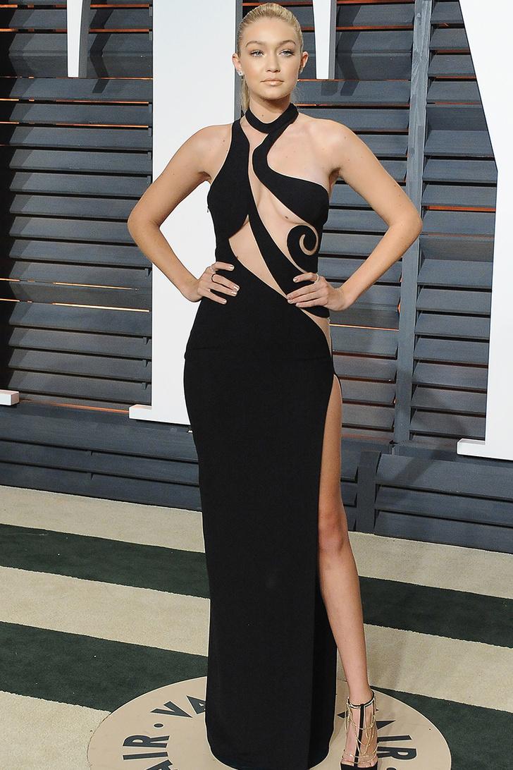 Модель Джиджи Хадид Платья наголо: самые сексуальные наряды звезд
