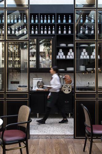 Афинский ресторан в стиле ретро (фото 11.2)