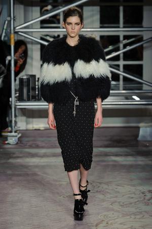 Показы мод Moschino Cheap & Chic Осень-зима 2013-2014 | Подиум на ELLE - Подиум - фото 781