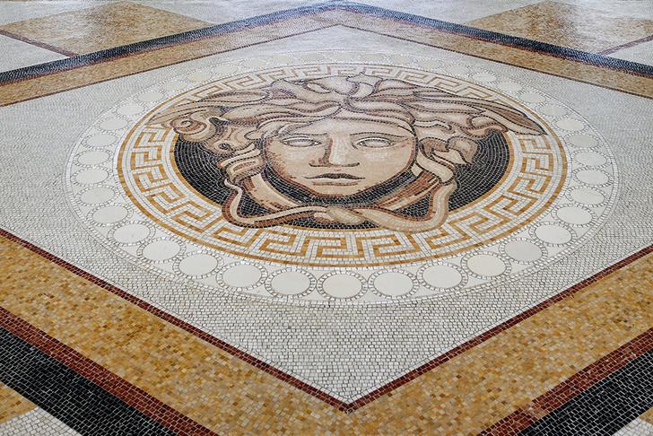 Шесть символов Versace: квест по отелю Palazzo Versace фото [3]