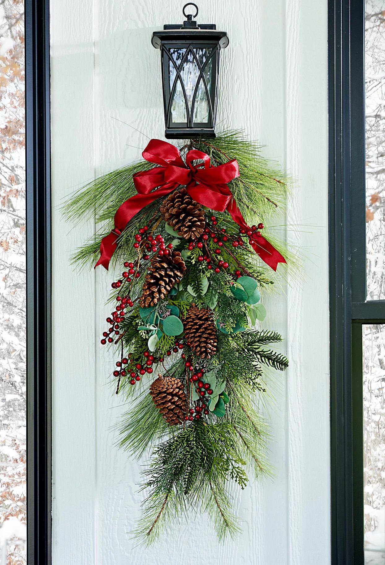 Рождественский декор из шишек: 20 идей и примеров (галерея 0, фото 9)