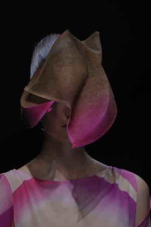 Показ Issey Miyake коллекции сезона Весна-лето 2012 года prêt-à-porter - www.elle.ru - Подиум - фото 315293