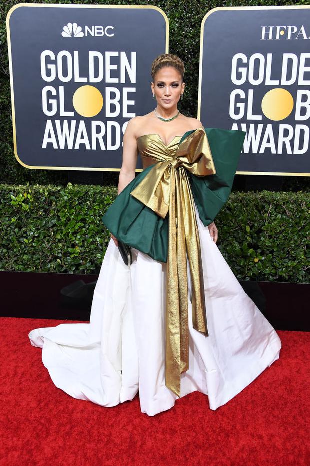 Подарок судьбы: Дженнифер Лопес в Valentino Haute Couture на «Золотом глобусе» 2020 (фото 4)