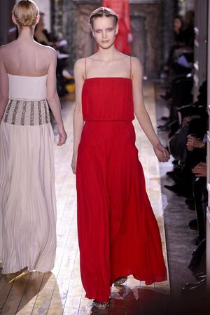 Показ Valentino коллекции сезона Весна-лето 2011 года Haute couture - www.elle.ru - Подиум - фото 217301