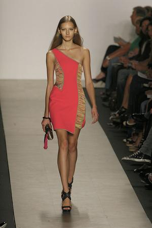 Весна-лето 2010 | Модные показы | Подиум ELLE - Подиум - фото 3104