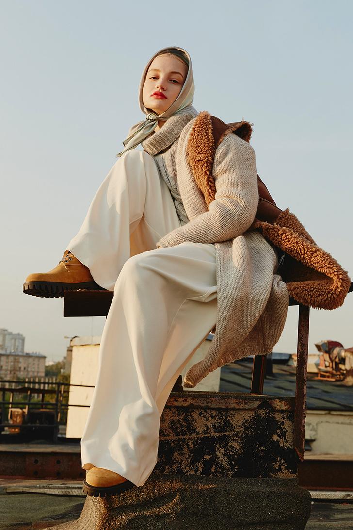 Модный аксессуар: 10+ осенних образов с шелковым платком фото [11]