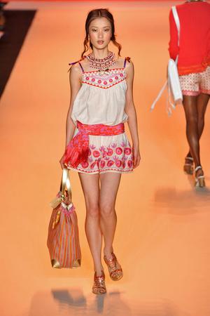 Показы мод Anna Sui Весна-лето 2009 | Подиум на ELLE - Подиум - фото 3482