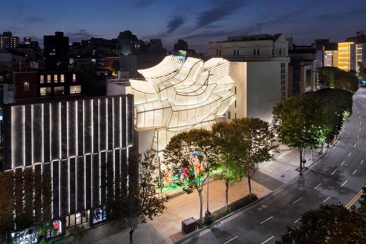 Флагманский магазин Louis Vuitton открылся в Сеуле (фото 10)