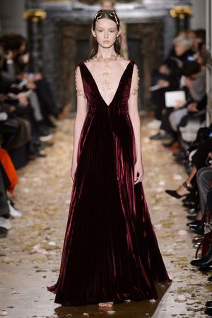 Показ Valentino коллекции сезона Весна-лето  2016 года Haute couture - www.elle.ru - Подиум - фото 603102