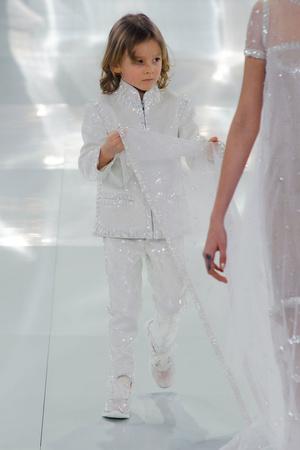 Показ Chanel коллекции сезона Весна-лето 2014 года haute couture - www.elle.ru - Подиум - фото 574496