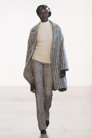 Показ Badgley Mischka коллекции сезона осень-зима  2018-2019 года Prêt-à-porter - www.elle.ru - Подиум - фото 686321